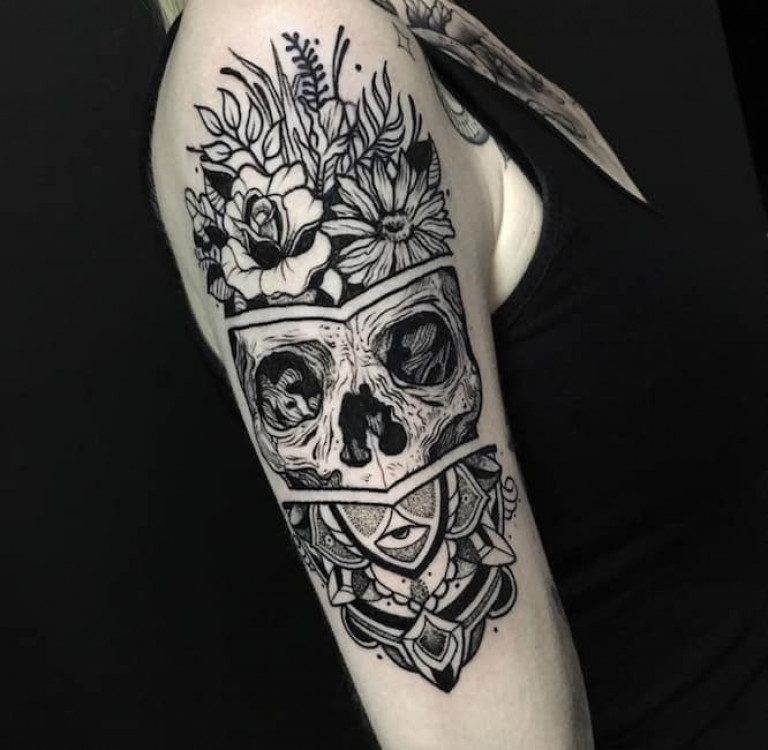 Adrian De Largue Skull and Flowers Tattoo