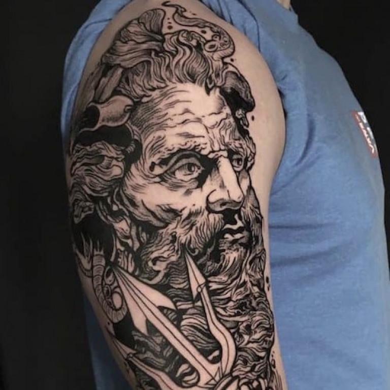 blackwork-tattoo-by-adrian-de-largue